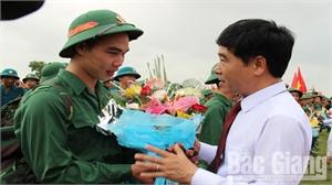 Lạng Giang tổ chức tiễn tân binh lên đường nhập ngũ