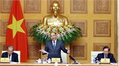 """Thủ tướng Nguyễn Xuân Phúc: Vẫn còn tình trạng """"cắt giấy phép mẹ đẩy giấy phép con"""""""