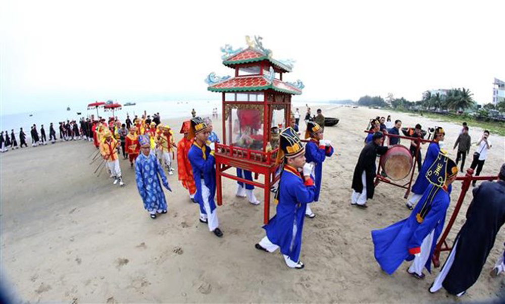 Whale worship festival, Da Nang city, intangible heritage, traditional whale-worshipping celebrations,  cultural identity, traditional folk culture