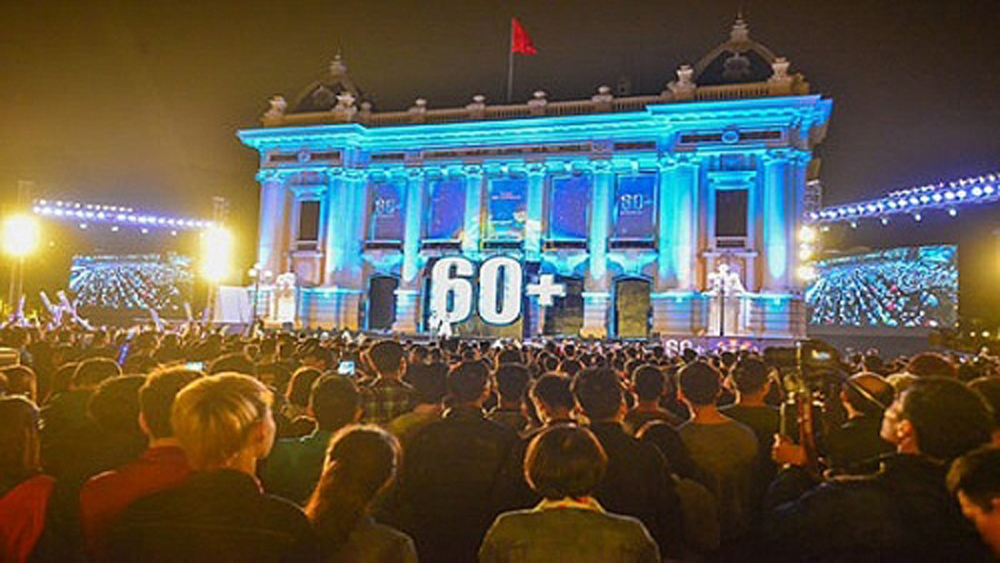 Hanoi, 2019 Earth Hour, communication campaigns, energy saving, environmental protection, World Wide Fund for nature