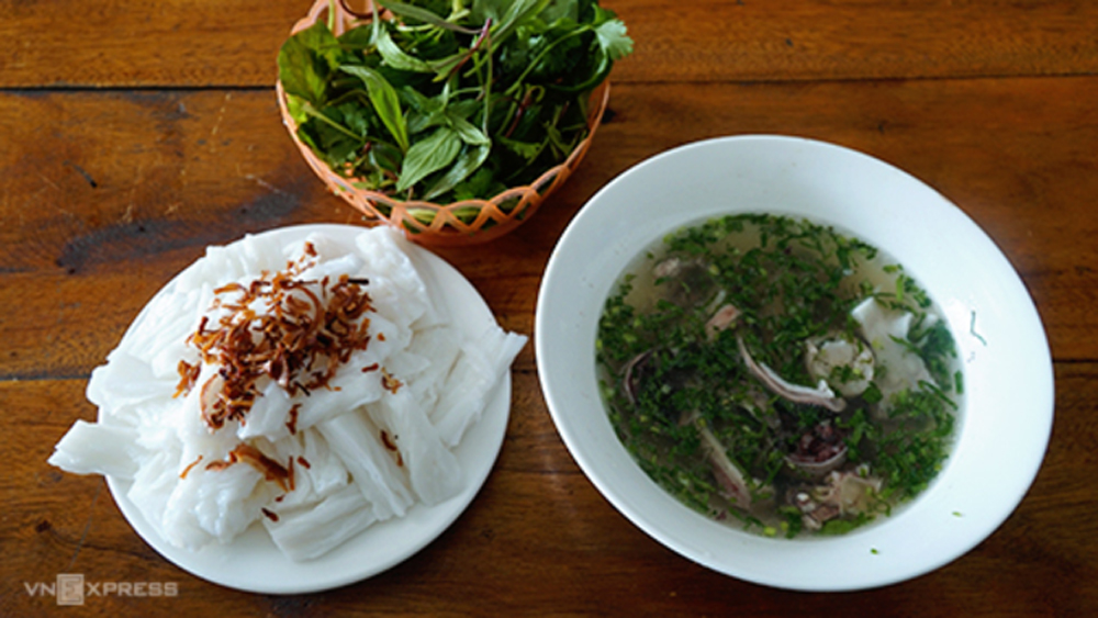 food specialty, Nghe An province, Banh muot, gourmets swear, breakfast staple, most important step,  local specialty