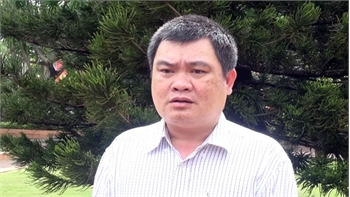 """Cảnh cáo Phó Chủ tịch UBND TP Tuy Hòa vì cấp """"sổ đỏ"""" sai quy định"""