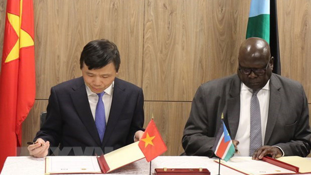 Vietnam, South Sudan, establishment of diplomatic ties, bilateral diplomatic ties, bilateral cooperation, level-2 field hospital, effective business, economic development achievements