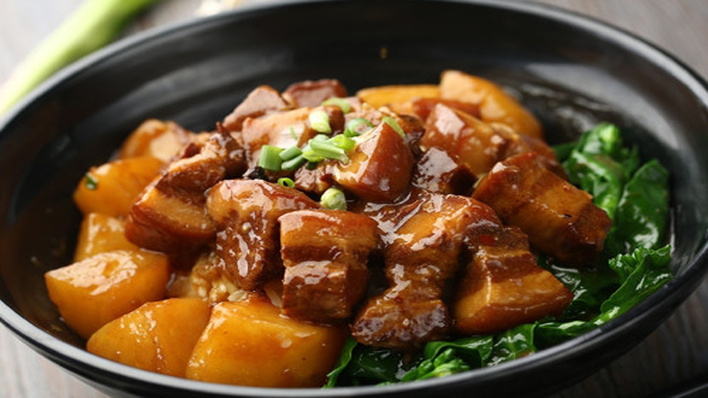 Thit kho (Vietnamese simmered meat)