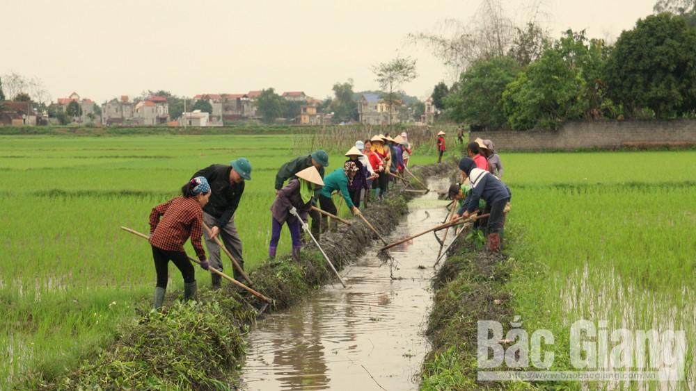 Xã Phúc Sơn, huyện Tân Yên, Cán bộ lao động cùng nhân dân