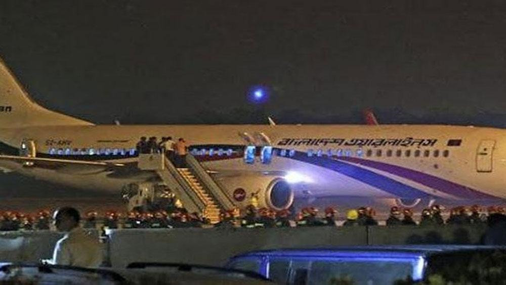 Máy bay đi Dubai hạ cánh khẩn cấp vì bị không tặc