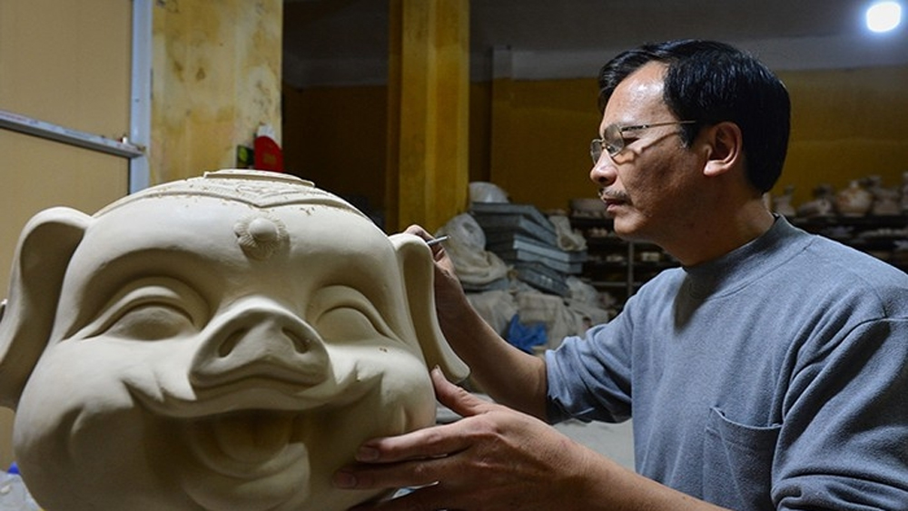 Bat Trang pottery village undergoes renovations in the Industry 4.0 era