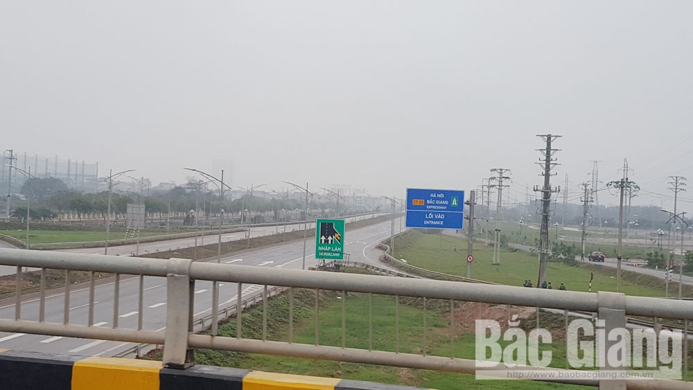 Tuyến cao tốc Hà Nội- Bắc Giang được phong tỏa, cấm phương tiện lưu thông.