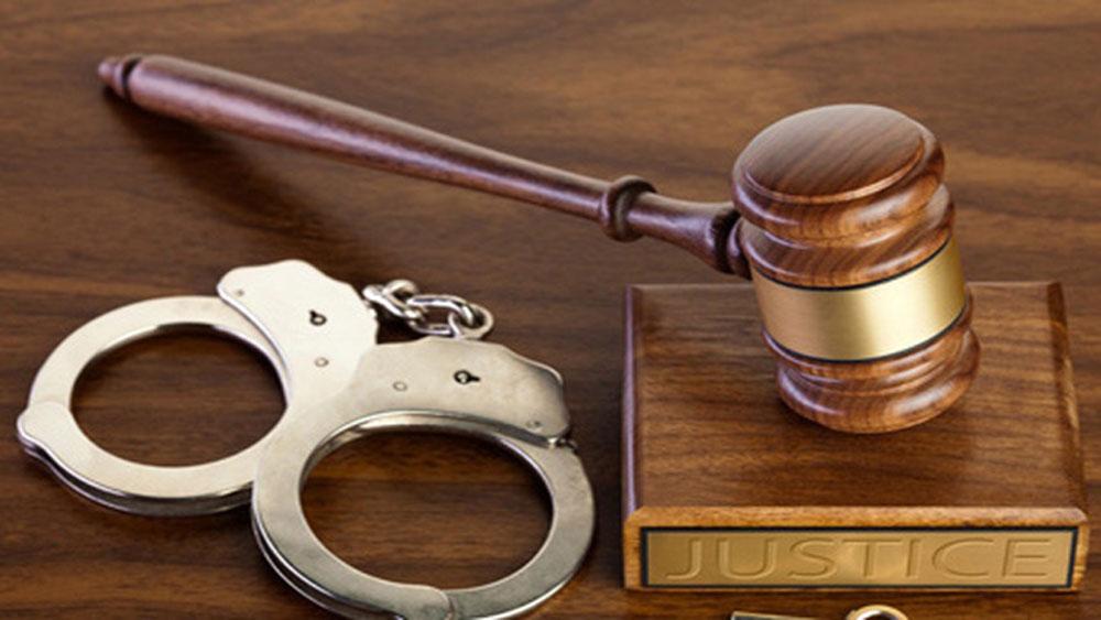 Đắk Nông, Phó Chủ tịch UBND huyện, khởi tố, tội lợi dụng chức vụ, quyền hạn, thi hành công vụ, Nguyễn Hữu Huân
