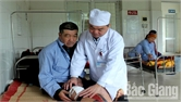 Bác sĩ Nông Văn Tiến - Tấm gương sáng y tế vùng cao
