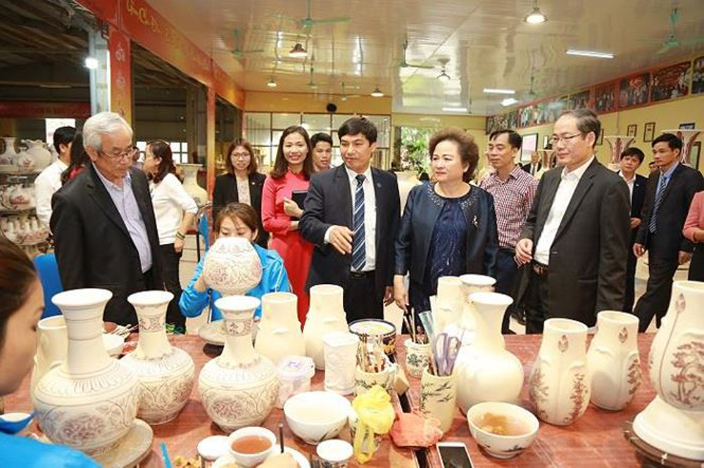 Chu Dau ceramics, journey, Vietnamese cultural quintessence, Hai Duong province, ancient ceramics, high class product, rice civilization, Royal symbol products
