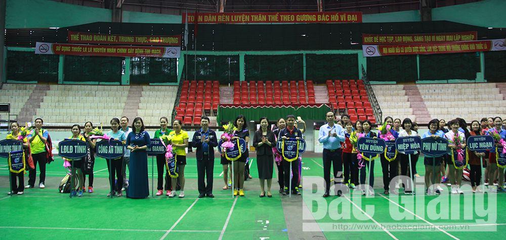 Gần 150 vận động viên tham gia giải Cầu lông truyền thống phụ nữ 8-3