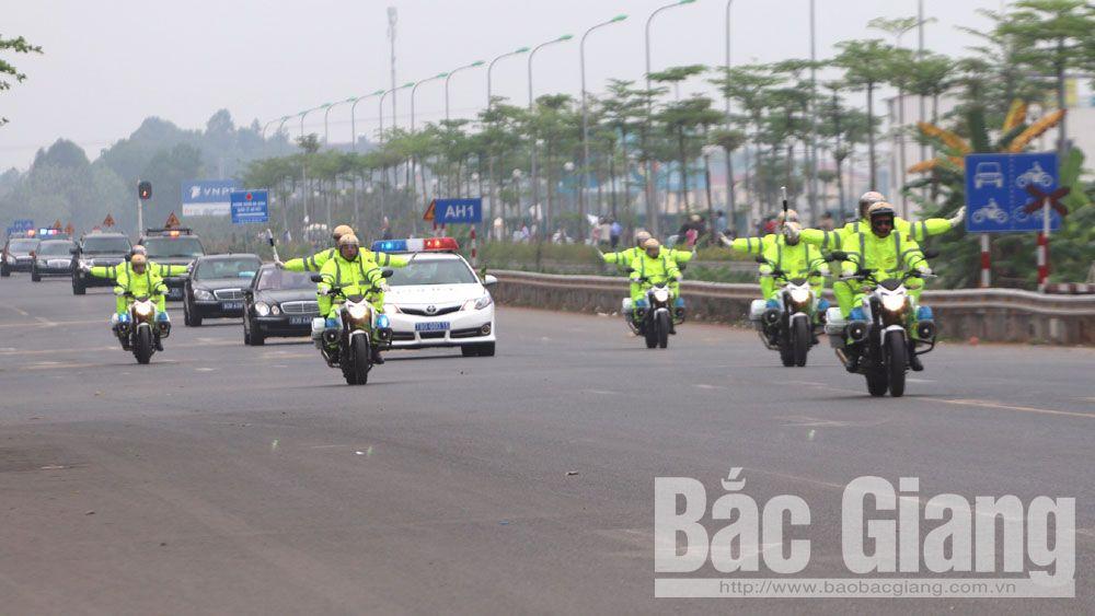 Đoàn xe chở Chủ tịch Triều Tiên Kim Jong Un đi qua tỉnh Bắc Giang