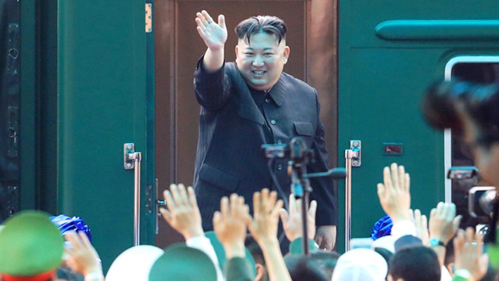 Chủ tịch Triều Tiên rời Hà Nội, lên đường về nước