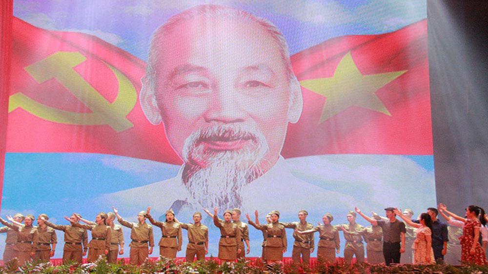 Liên hoan tuyên truyền lưu động kỷ niệm 65 năm Ngày Chiến thắng Điện Biên Phủ
