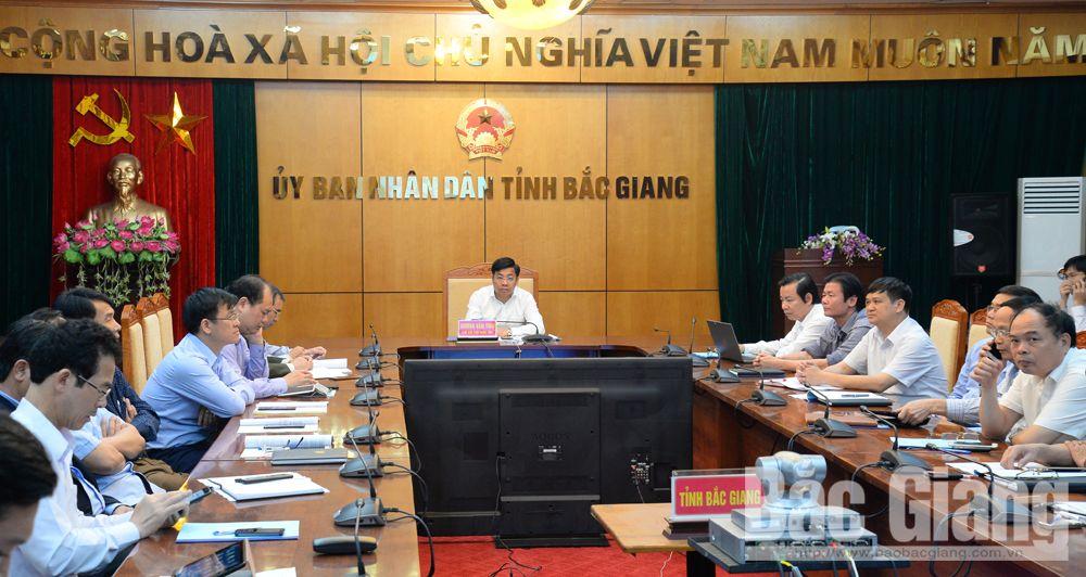 Phó Chủ tịch UBND tỉnh Dương Văn Thái dự tại điểm cầu Bắc Giang.