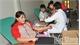 Gần 400 tình nguyện viên tham gia hiến máu
