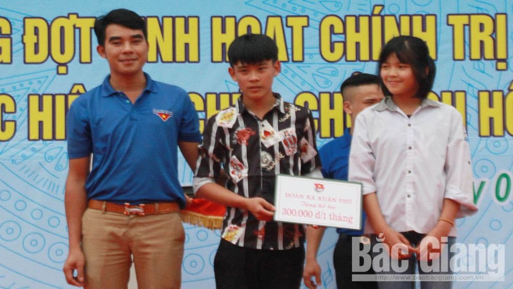 Communal youth union leader Tran Danh Hung honored to receive Ly Tu Trong Prize