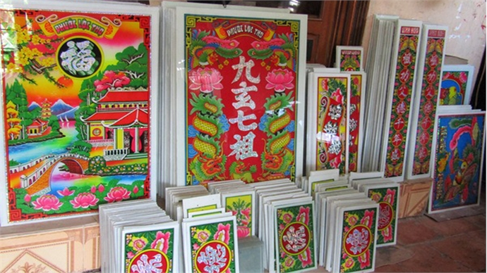 The intricate southern Vietnamese art of reverse glass paintings