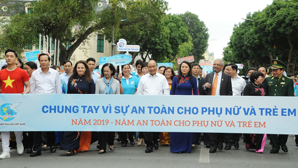 Vietnam PM calls for greater efforts to protect women and children