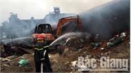 Cháy xưởng chứa mùn cưa ở huyện Việt Yên (Bắc Giang)