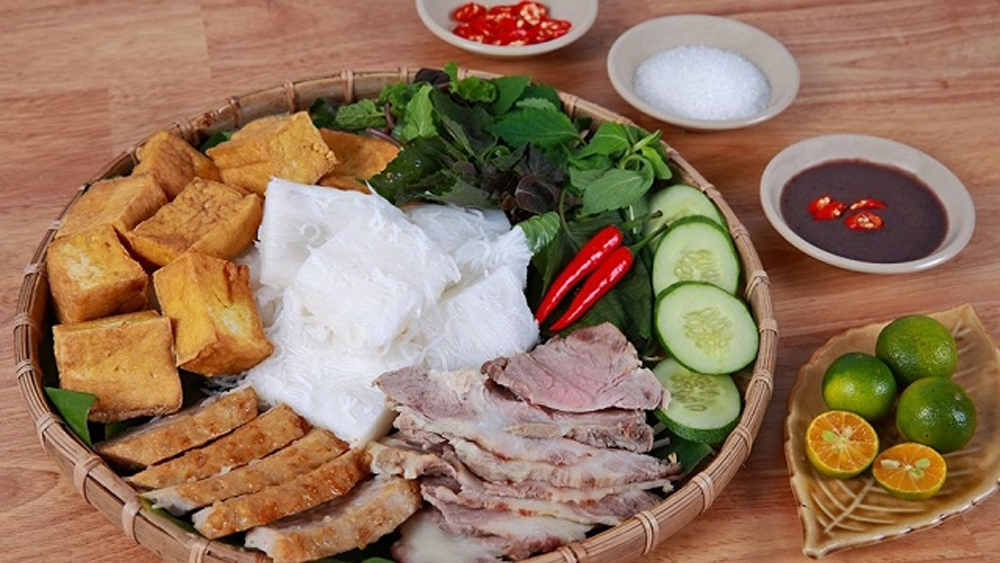 'Bun dau mam tom': just another stinky delicacy in Vietnam