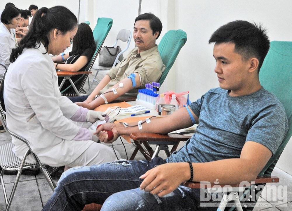Sức hút, Lễ hội Xuân hồng, hiến máu tình nguyện
