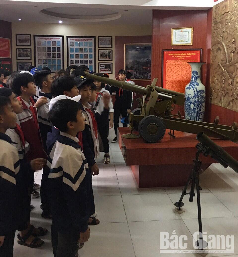 60 học sinh, trải nghiệm, làm chiến sĩ, Lữ đoàn Pháo binh 164