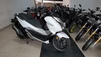 Honda Forza 300 giá 350 triệu đầu tiên về Việt Nam
