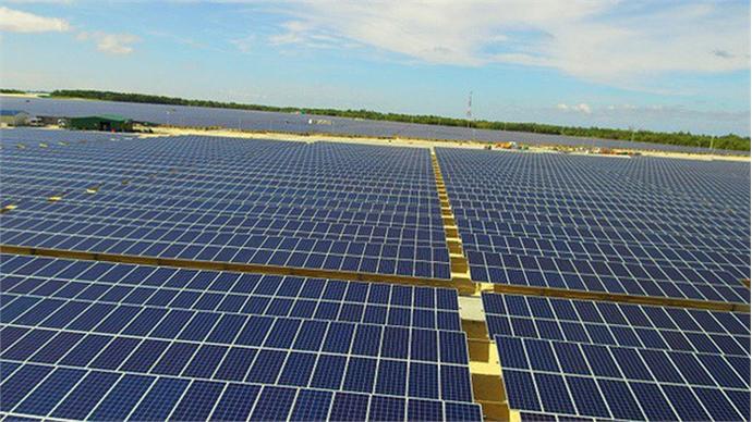 At the sunniest farm on Vietnam, a power surge