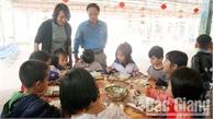 Bảo đảm an toàn thực phẩm tại bếp ăn tập thể tại Hiệp Hòa: Chú trọng khâu nhập nguyên liệu, chế biến