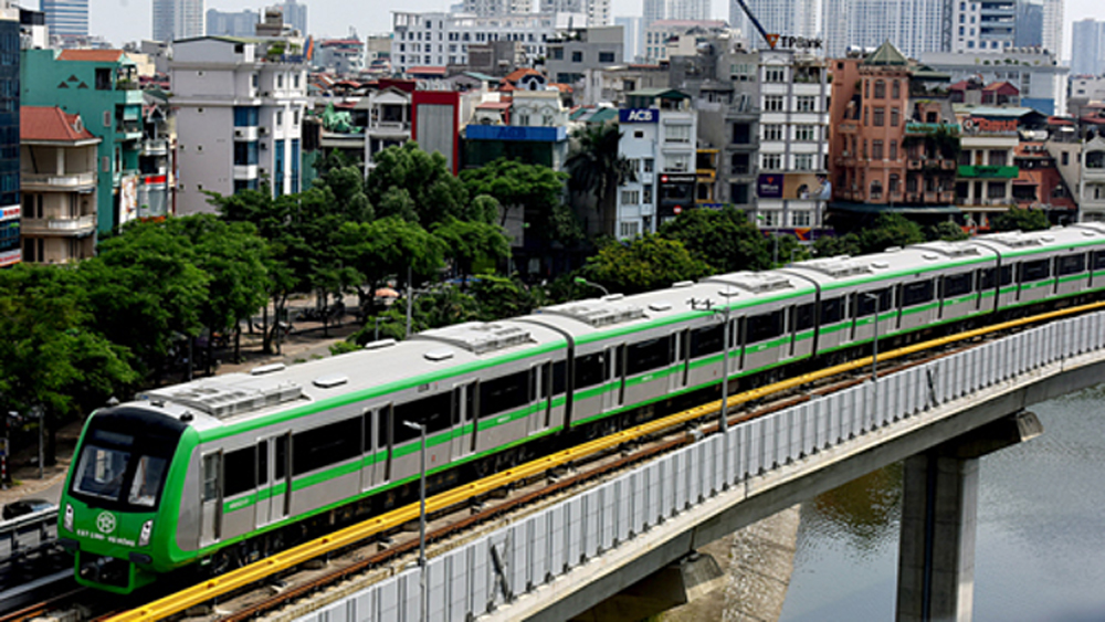 Hanoi plans to offer 15-day free travel on first metro line