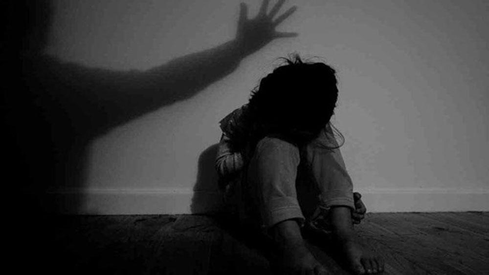 Bắt khẩn cấp nghi phạm để điều tra về hành vi hiếp dâm bé gái 8 tuổi