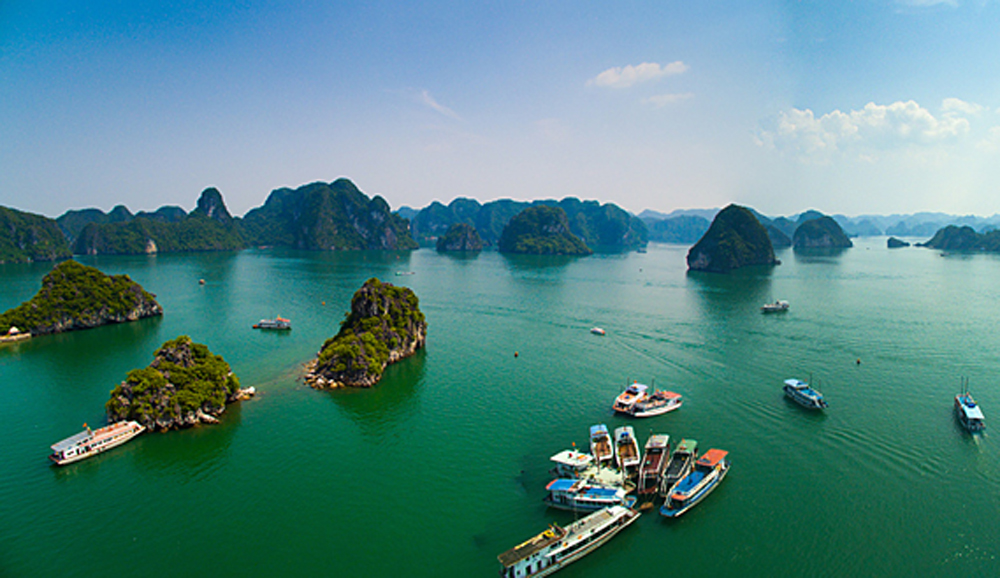 Ha Long Bay, once-in-a-lifetime destination, US publication, US News, 30 most famous landmarks, UNESCO heritage site, lifetime experience