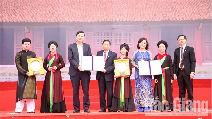 Opening Bo Da pagoda festival and celebrating 10 year anniversary of Quan ho folk song recognized by UNESCO