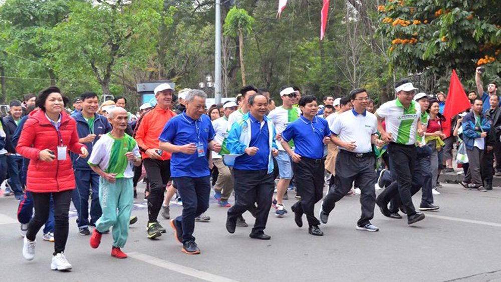 Olympic Run Day for Public Health kicks off in Hanoi