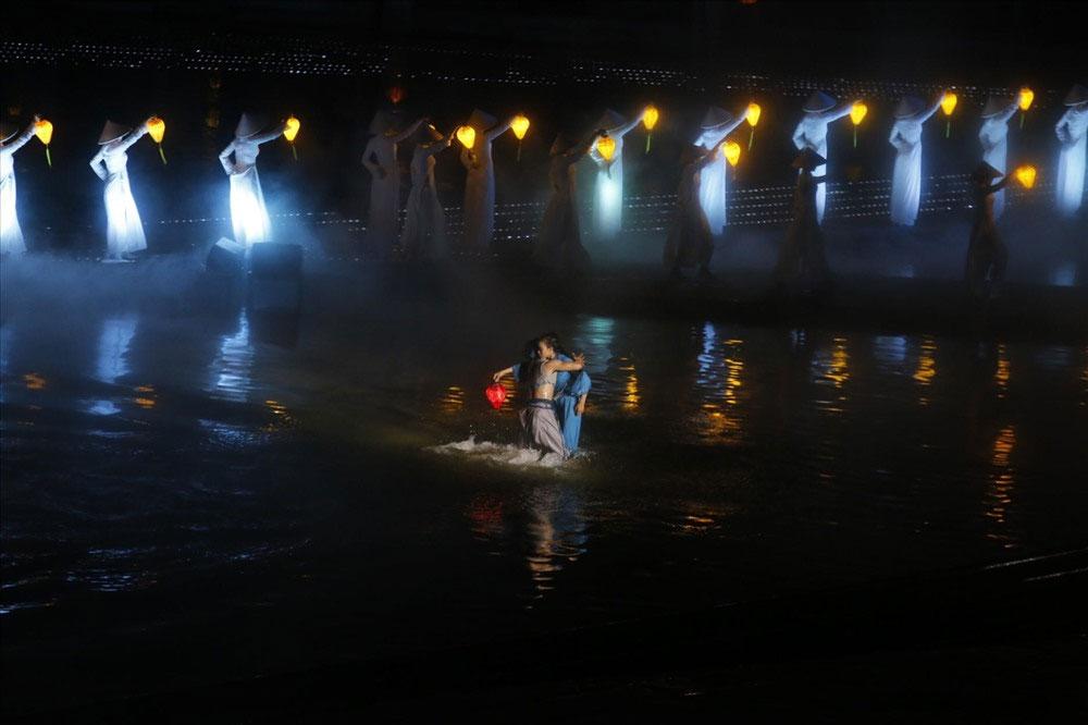 REUTERS, Hội An, sở hữu, chương trình biểu diễn thực cảnh, đẹp hàng đầu thế giới