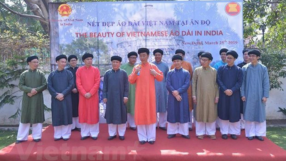 Vietnamese traditional costume introduced in India