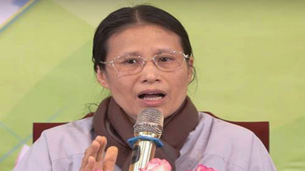 Bà Phạm Thị Yến, xin lỗi, gia đình nữ sinh giao gà ở Điện Biên