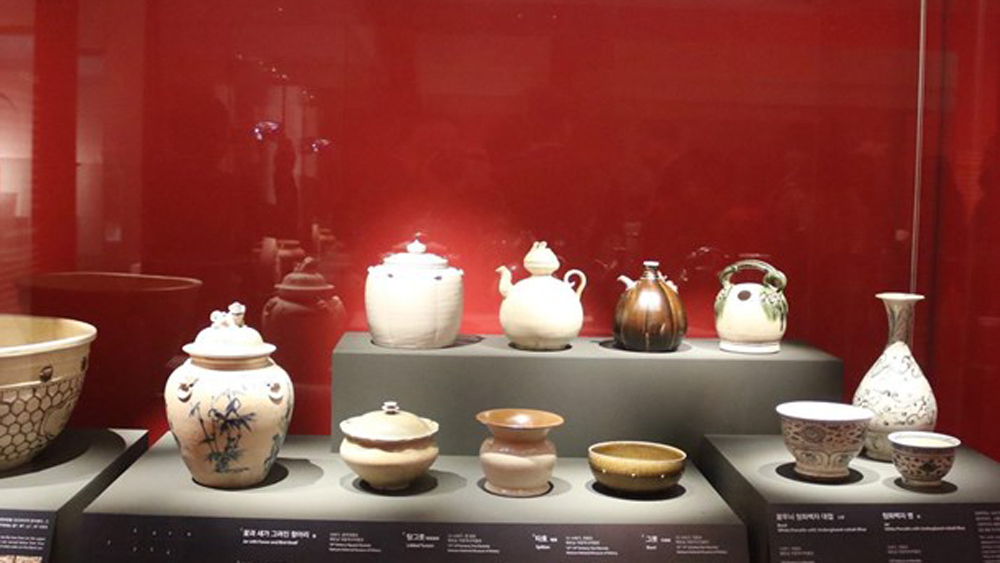 Vietnam's antiques exhibited in RoK