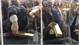 Du khách bất lực lấy thỏi vàng 20 kg ở Dubai