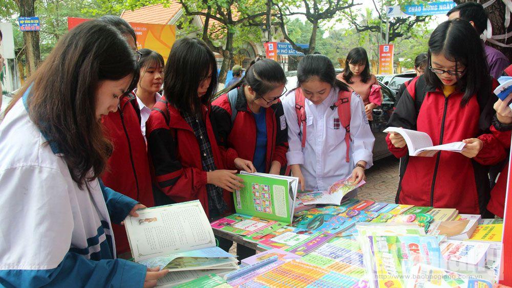 Khai mạc ngày sách, văn hóa đọc, thư viện tỉnh