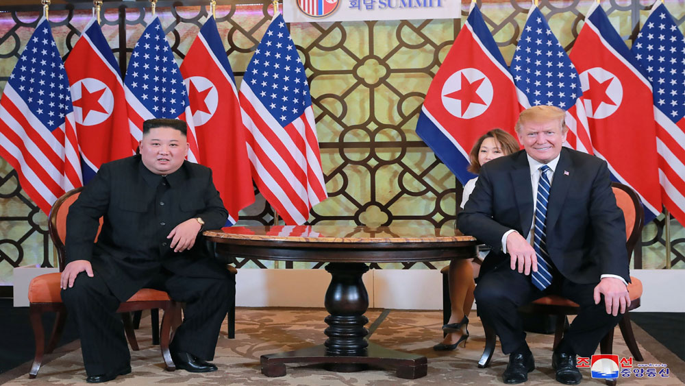 Reuters tiết lộ văn bản Tổng thống Mỹ trao tay cho nhà lãnh đạo Triều Tiên tại Hà Nội