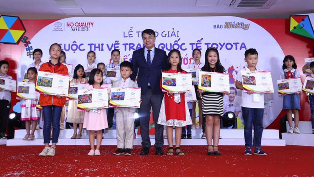 5 – year old girl awarded at Toyota Dream Car Art Contest 2019