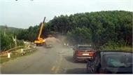 Tai nạn kép hy hữu: Xe tải lao thẳng vào xe cẩu đang cứu nạn xe container