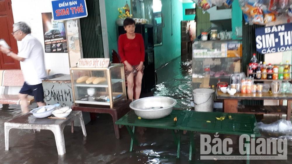 Khắc phục việc chặn cống thoát nước gây ngập úng nghiêm trọng tại khu phố Tân Ninh trước tháng 6