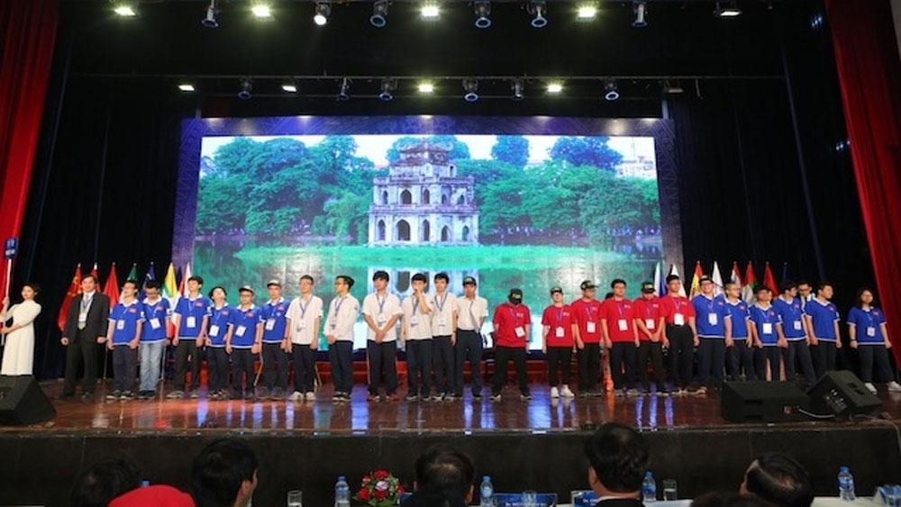 Hơn 650 học sinh Việt Nam và quốc tế thi Toán tại Hà Nội