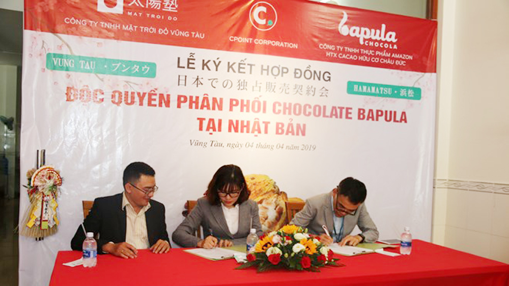 Vietnam, organic Bapula chocolate, Japan, exclusive contract, signing ceremony,  locally-made chocolate,  cocoa trees