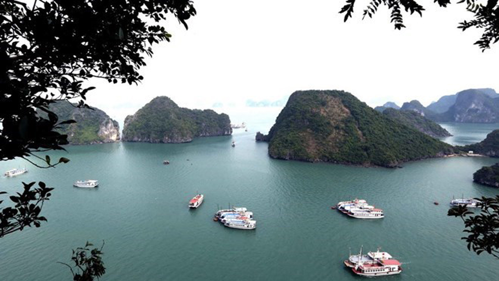 US newspaper names Ha Long Bay among world's 35 most beautiful natural wonders