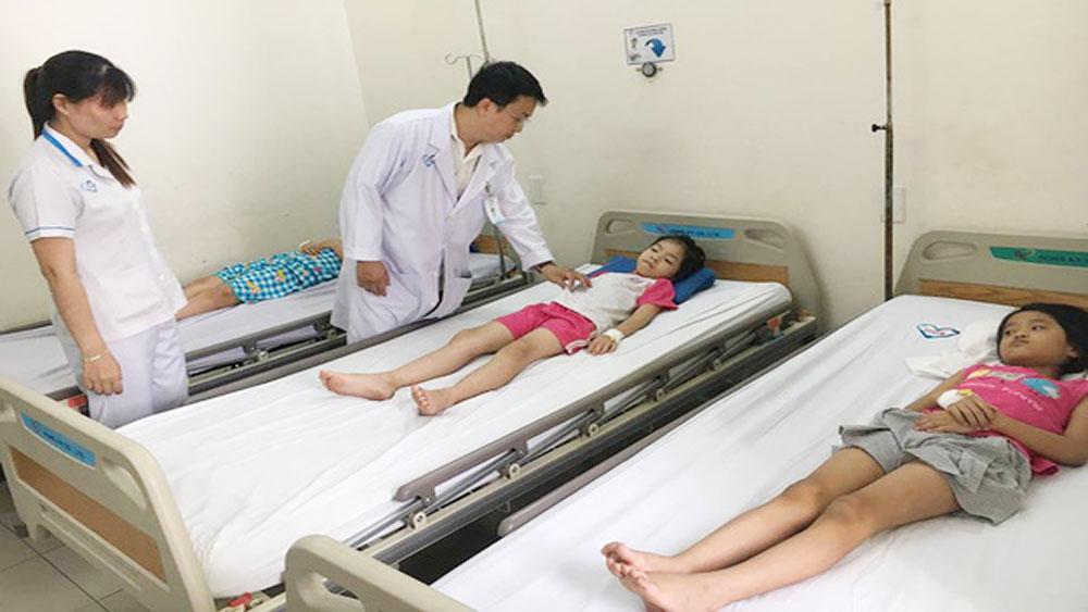 Hơn 60 học sinh TP Hồ Chí Minh nhập viện sau khi ăn bánh mì cà ri bò